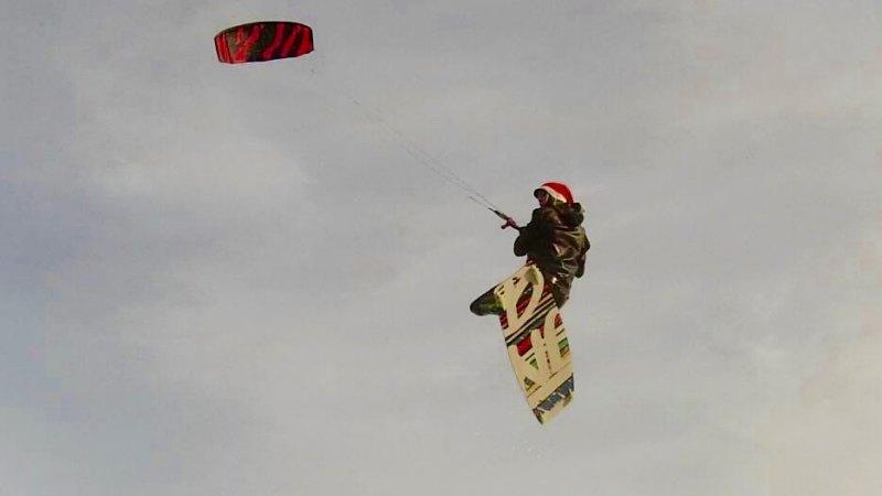 JN Christmas Kiting Thore Bernstein