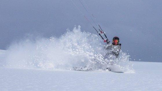 heinar_brandstoetter_powder_snowkite